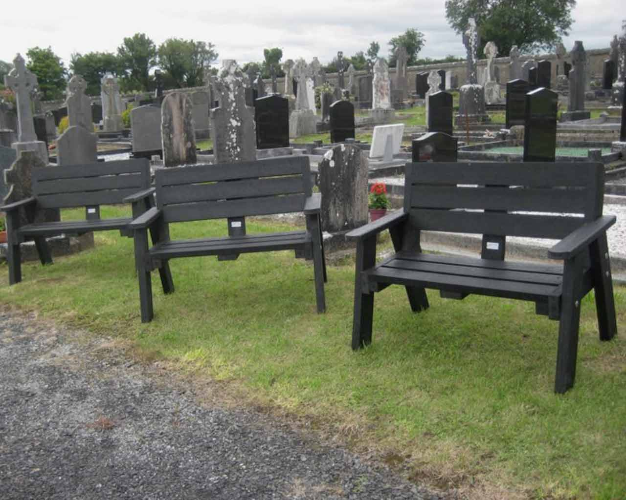 Remembrance & Memorial Benches