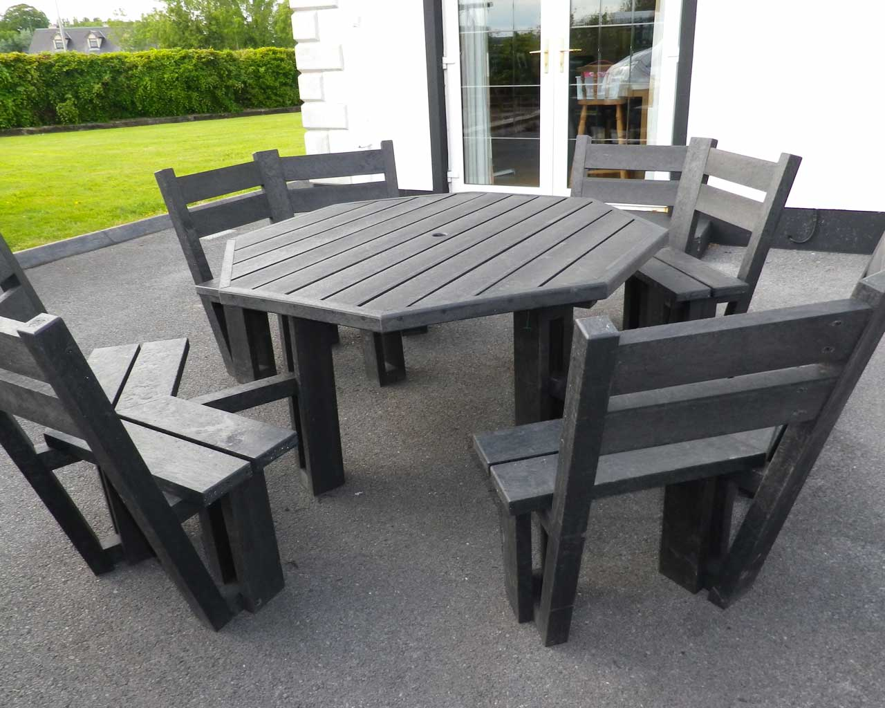 8 seater picnic table with back